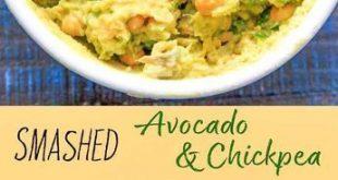 Das Smashed Avocado-Kichererbsen-Salat-Sandwich ist ein einfaches veganes Rezept